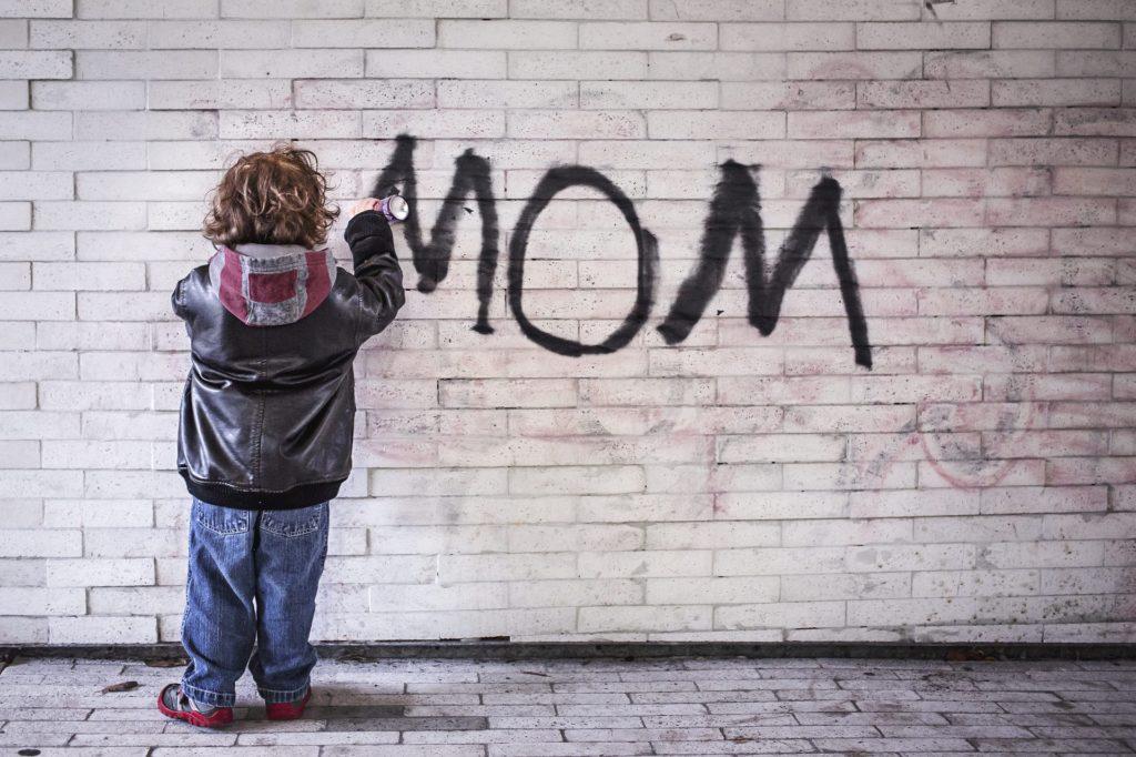 mom-1403724_1920